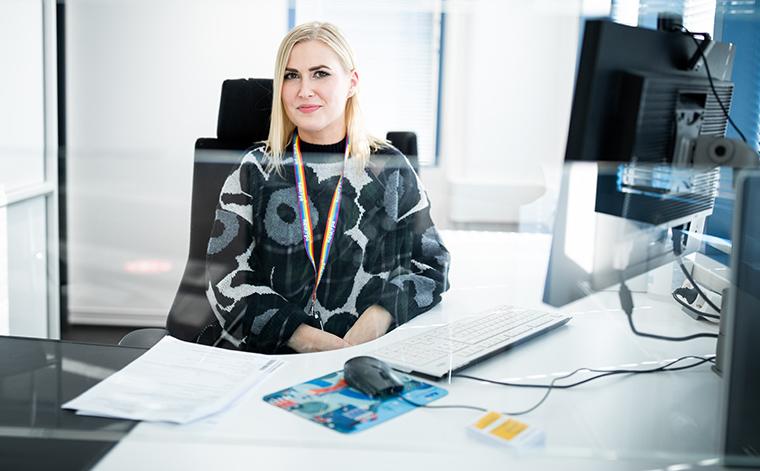 Palveluasiantuntija Juuli Erikkilä.